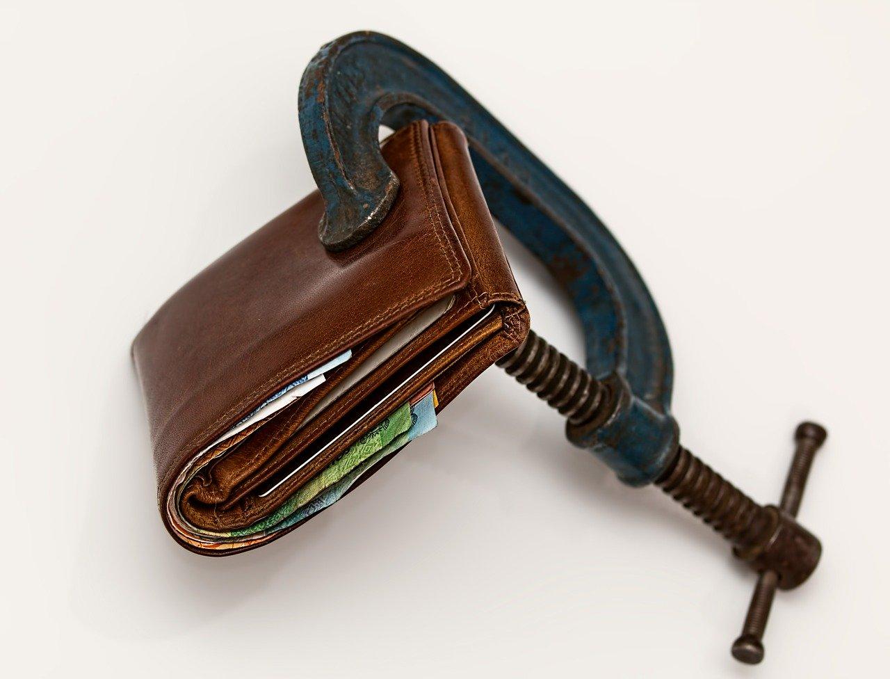Jak odkładać pieniądze  i nauczyć się oszczędzać?