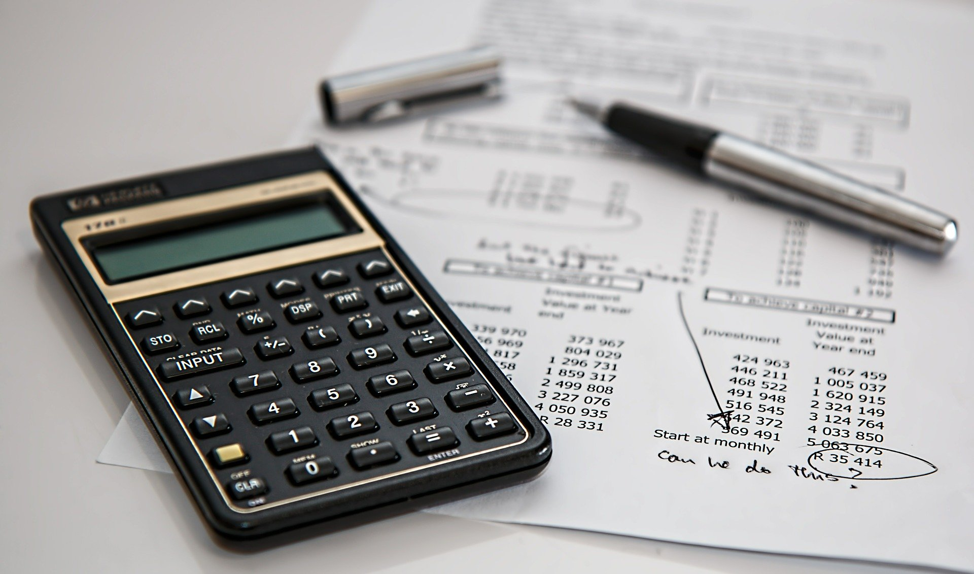 Kredyt, a pożyczka – czym się różnią?