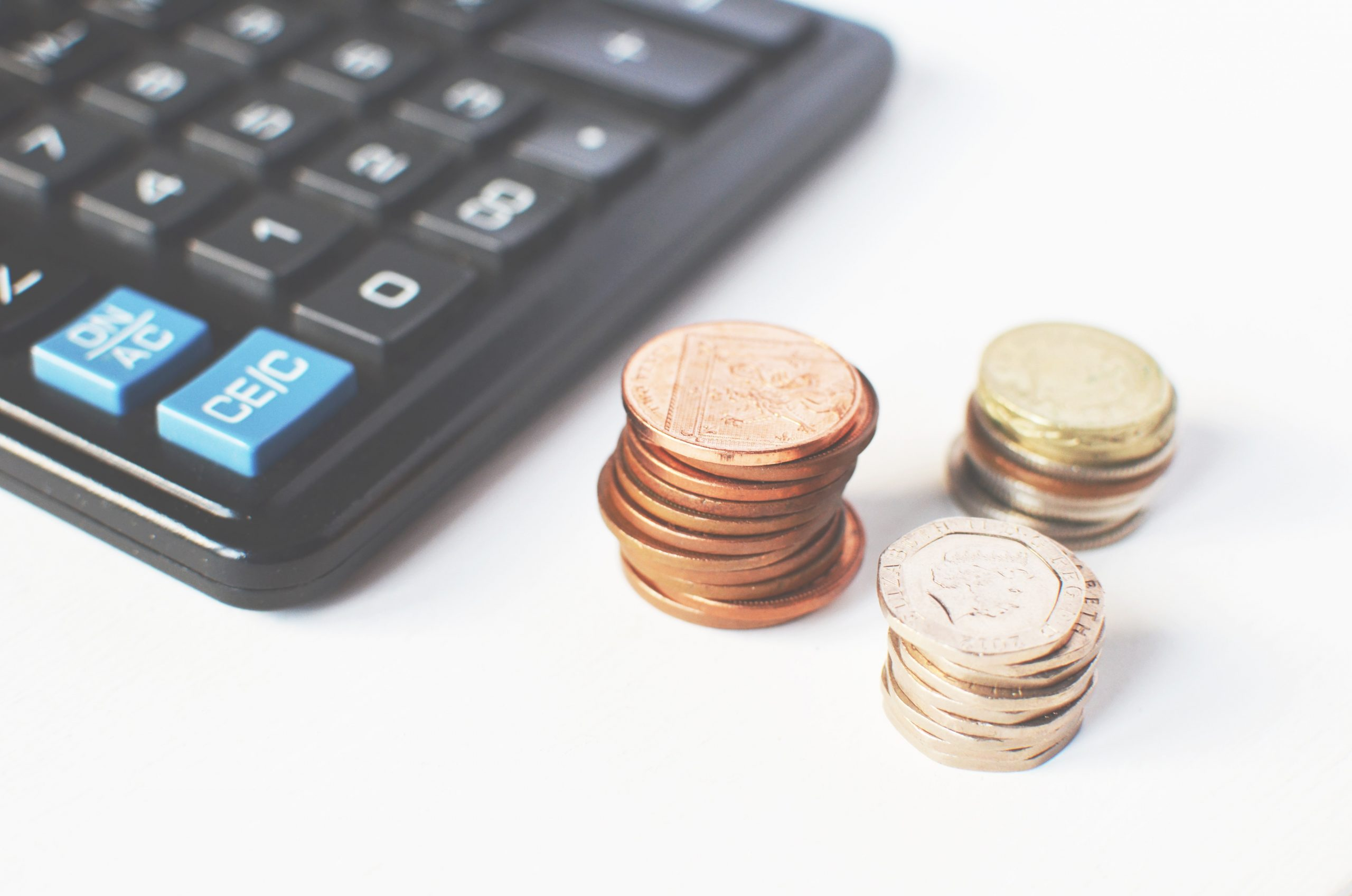 Jak wybrać korzystny kredyt dla małej firmy?