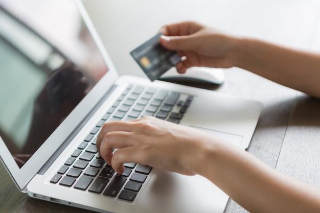 Chwilówki online – jak wziąć, by nie stracić? Miniporadnik dla zielonych