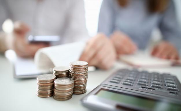 Domowy budżet w czasach koronawirusa: jak zabezpieczyć się przed spadkiem dochodów?