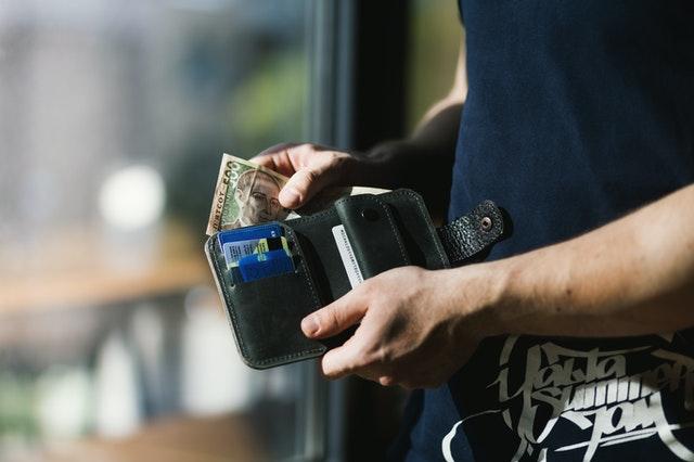 Obniżka stóp procentowych. Jak zmniejszą się raty kredytów w dobie koronawirusa?