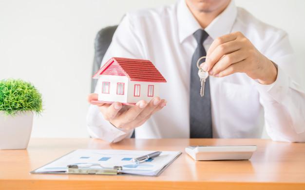 Jak sprzedać mieszkanie z kredytem hipotecznym i kupić nowe